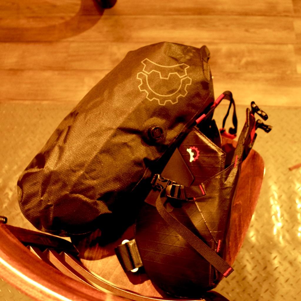 レベレイトデザイン テラピン サドルバッグ